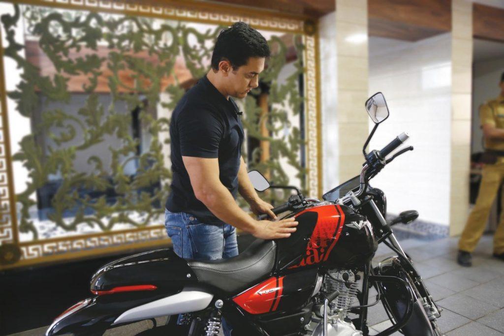 Aamir Khan owning Bajaj V15